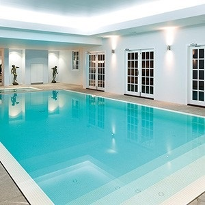 Bisazza White glass tile in a swimming pool